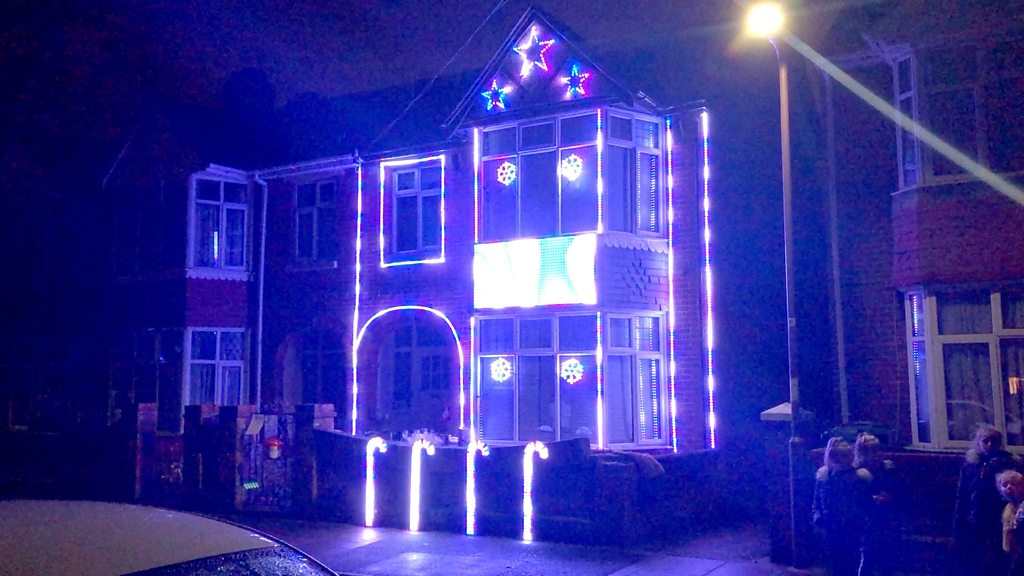 Christmas light show in Portsmouth helps girl with cerebral palsy