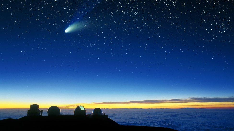 Mauna Kea i kometa koja proleće