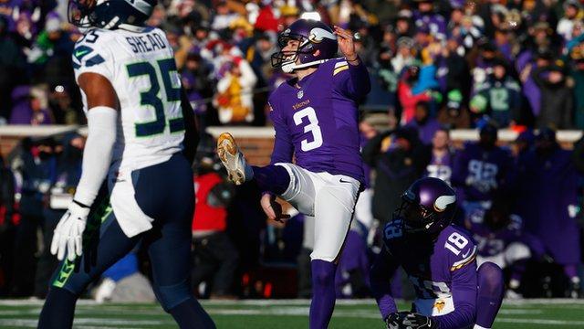 Minnesota Vikings' kicker Blair Walsh misses winning field goal