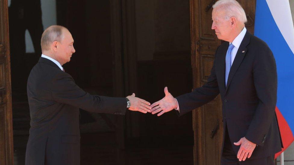 التقى الرئيسان بوتين وبايدن في قمة الشهر الماضي في جنيف