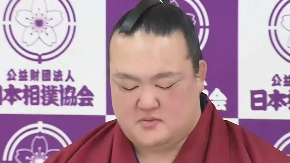 Kisenosato, Japan's last remaining sumo champion, retires