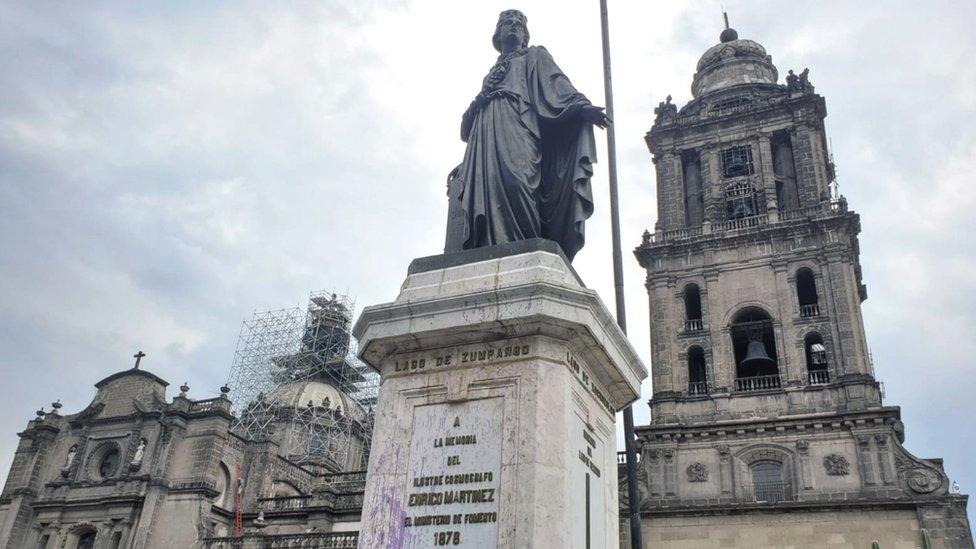 Monumento a Enrico Martínez