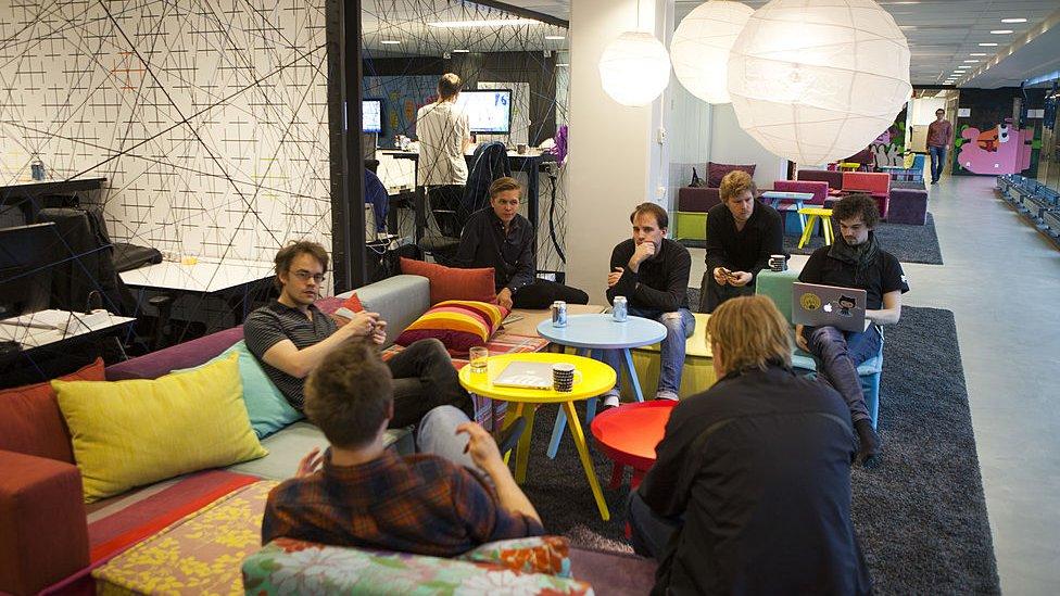 Trabajadores en las oficinas de Spotify en Estocolmo.