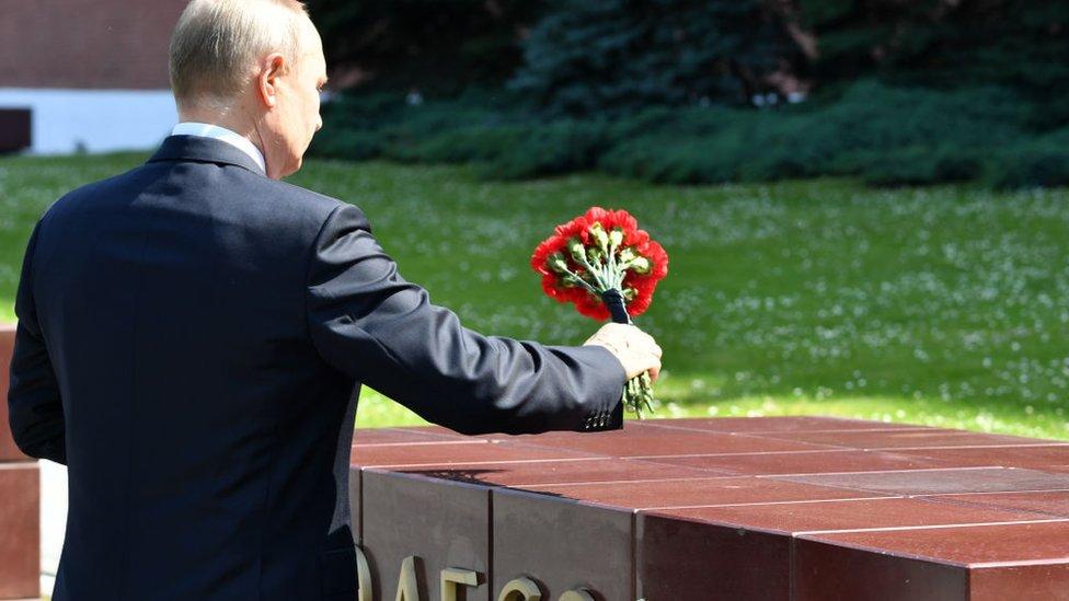 Дайджест: Путин укоряет Америку за Майдан, эпидемия ковида умножает миллионеров