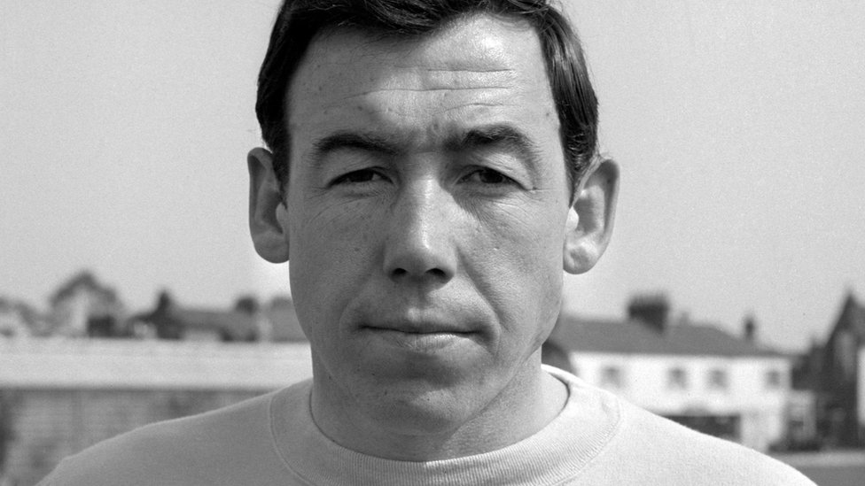 Gordon Banks: World Cup winner's contracts up for sale