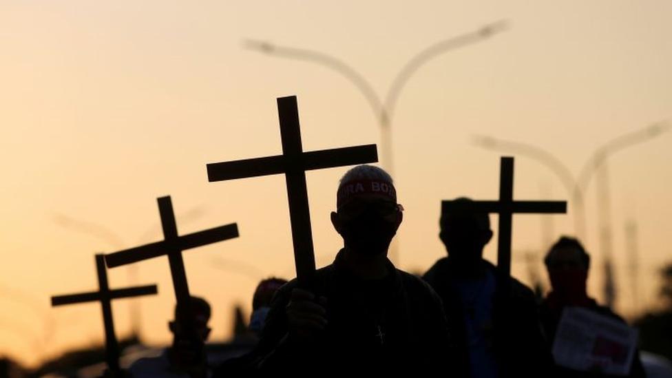 A falta que os mortos na pandemia farão também para a riqueza do Brasil