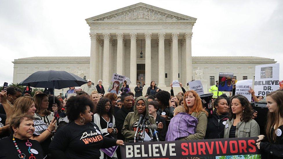 Protesta de mujeres víctimas de agresión sexual.