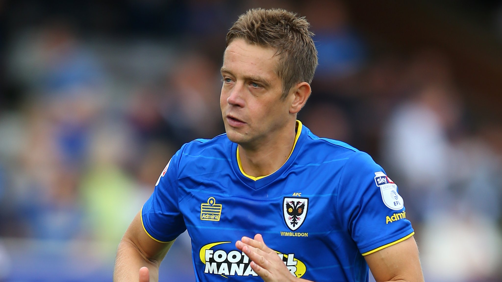 Paul Robinson: Havant and Waterlooville sign defender and Nicke Kabamba