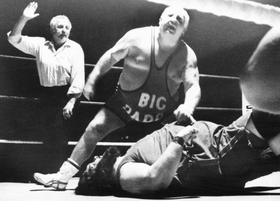Big Daddy wrestling against Giant Haystacks