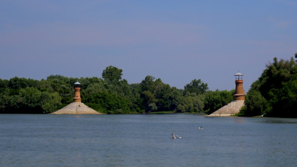 Dva svetionika na ušću Tamiša u Dunav