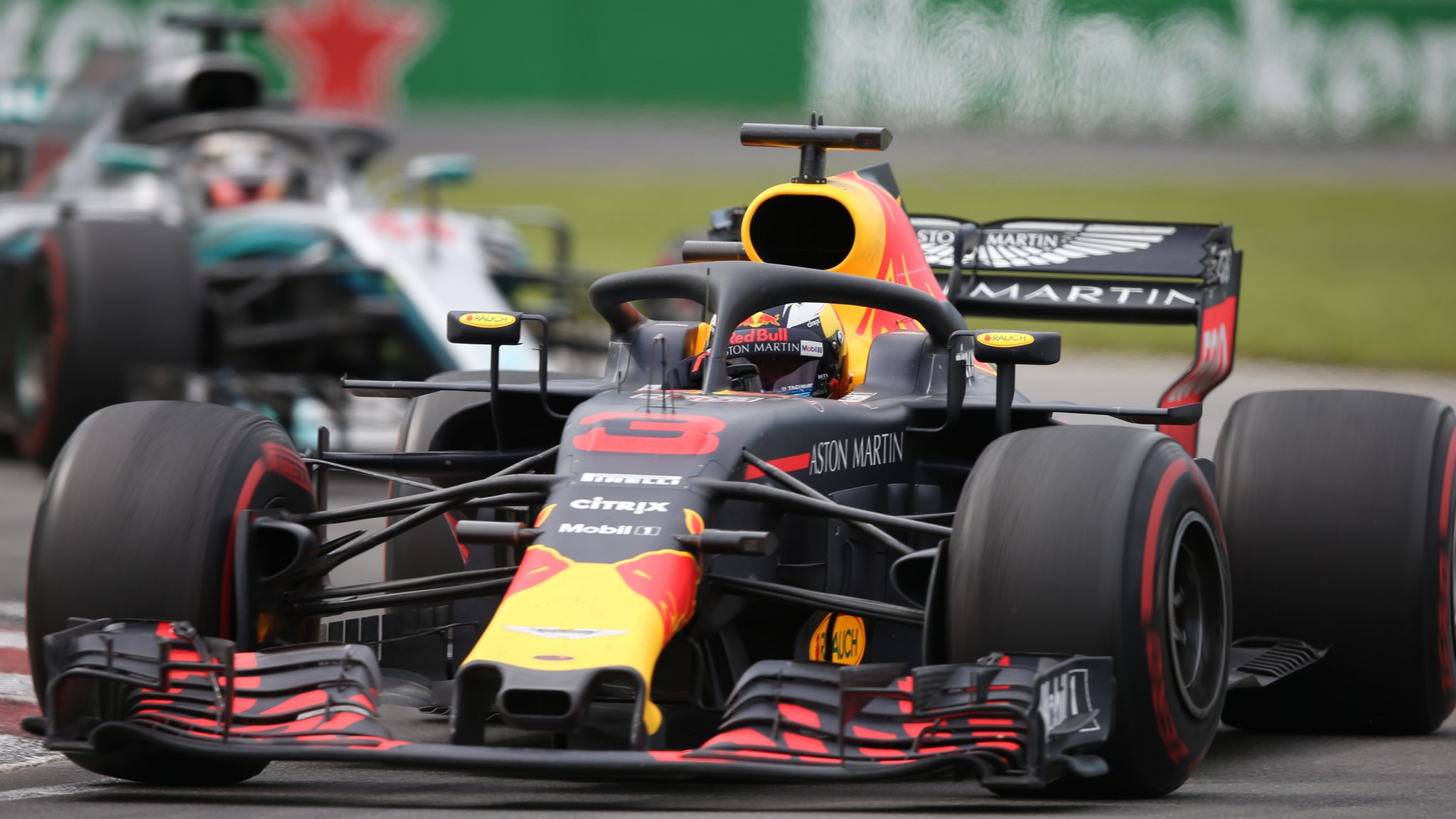 Red Bull to switch engines from Renault to Honda from 2019