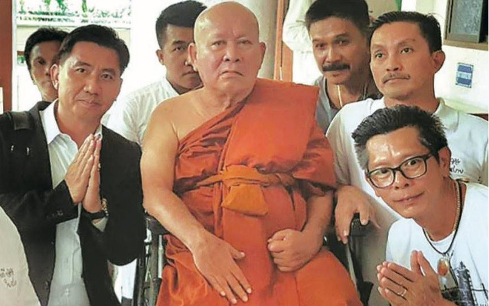 Chalor Kerdthes as a monk