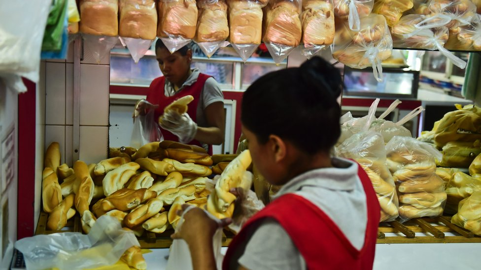 Bread for sale at a bakery in Caracas, on September 14, 2016.
