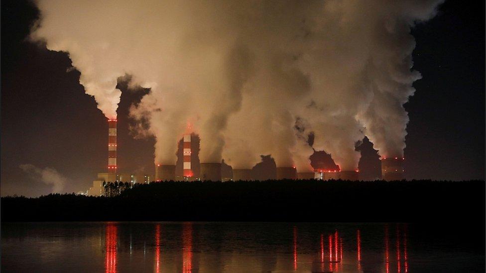 Лидеры ЕС договорились довести парниковые выбросы до нуля к 2050 году. Но Польше можно позже