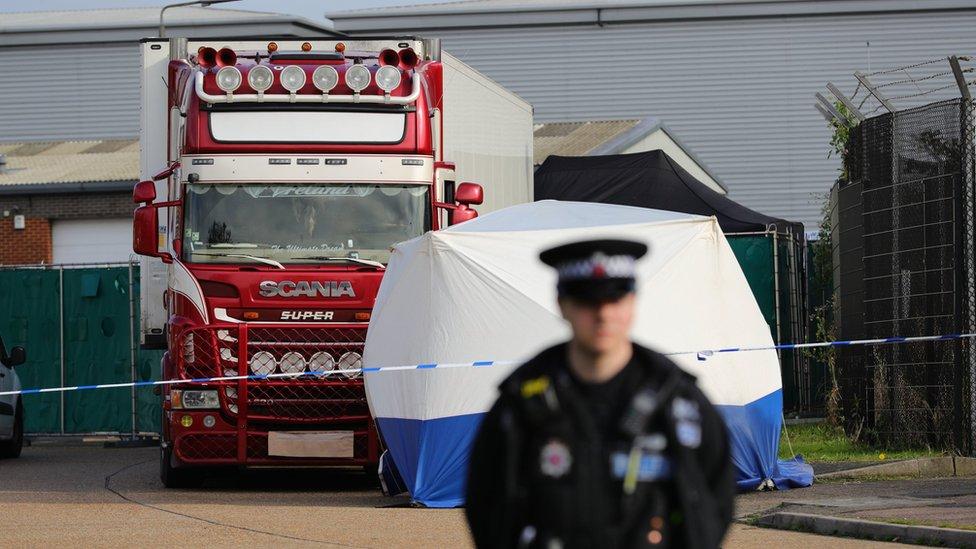 Вантажівка з 39 трупами: як просувається розслідування
