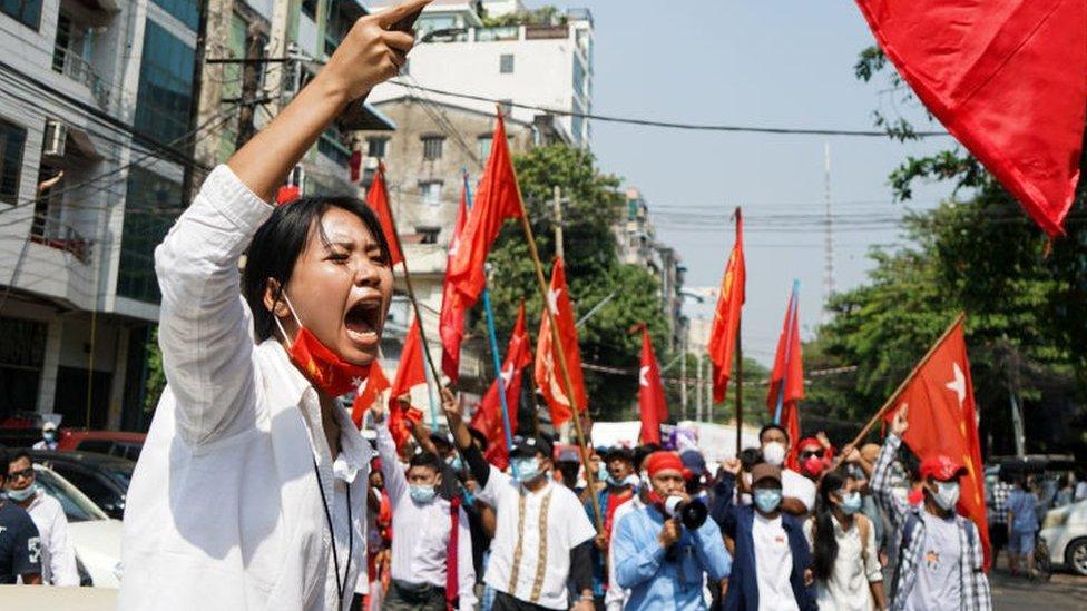 Warga Myanmar, protes di Sule, Yangon