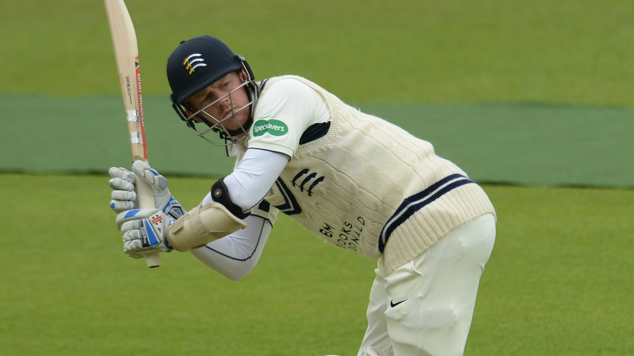 County Championship: Sam Robson hits ton as Middlesex make good start against Derbyshire