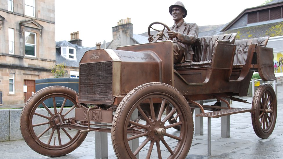 Sculpture of Ben Nevis drive unveiled in Fort William