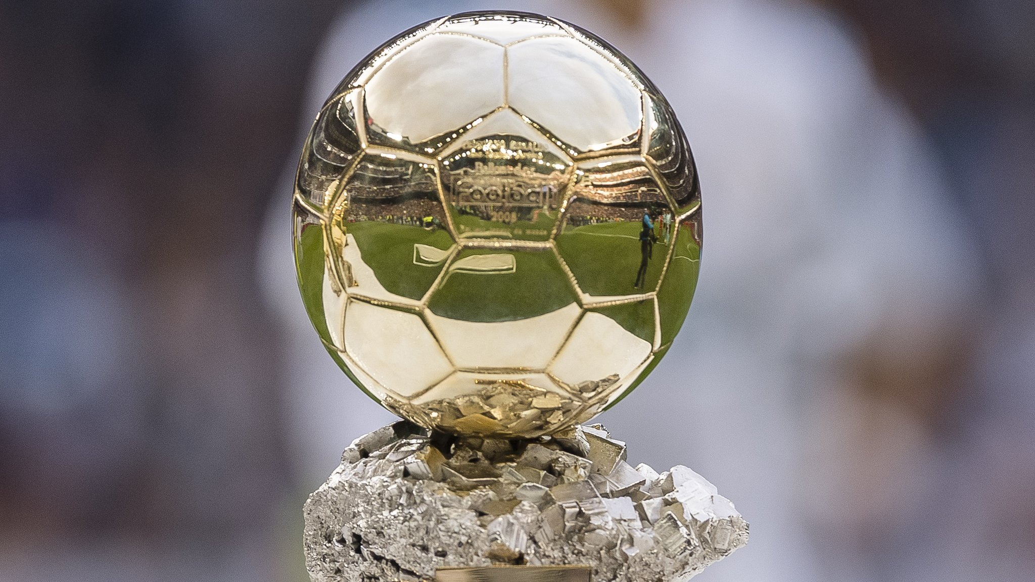 Ballon d'Or: France Football magazine to present award to best female player