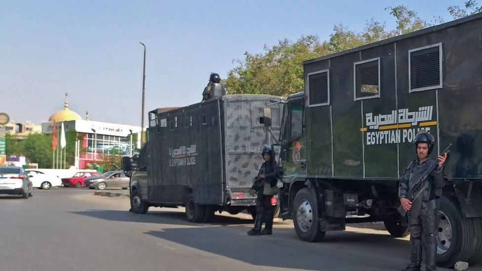 قوات الأمن في شوارع القاهرة