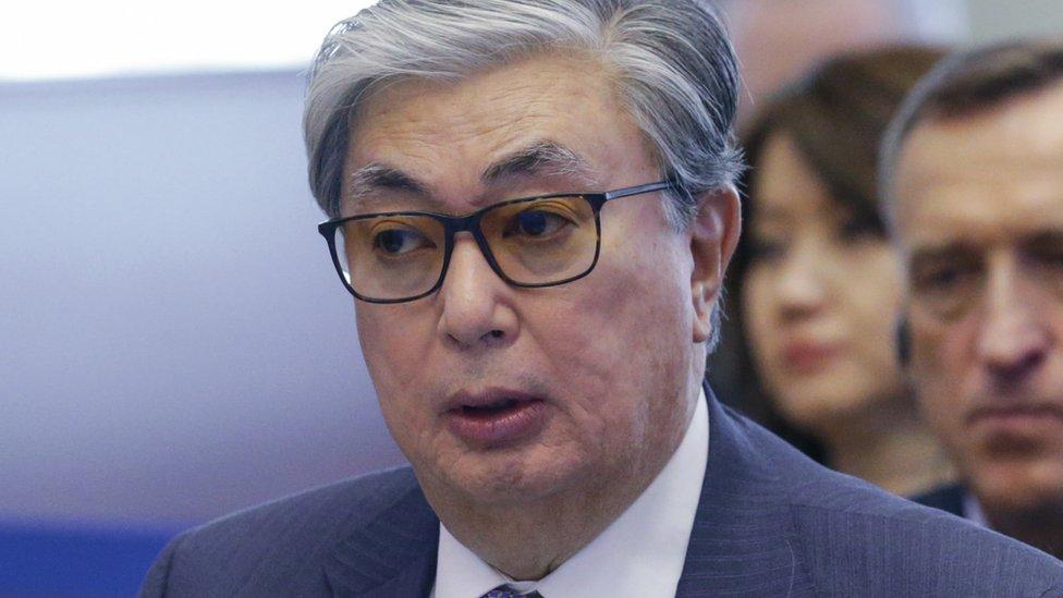 Токаев принял присягу и предложил переименовать столицу Казахстана в честь Назарбаева