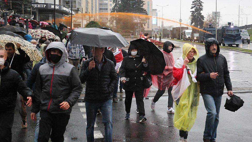 Полиция Беларуси применила водометы против протестующих в Минске