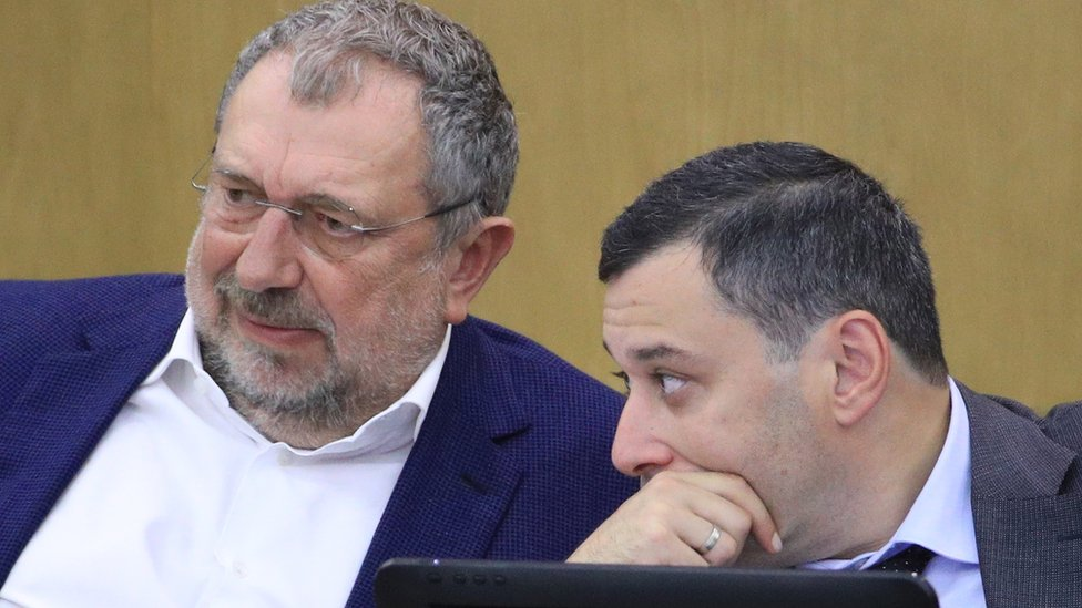 Vladislav Reznik (L) in Duma, 27 Sep 18