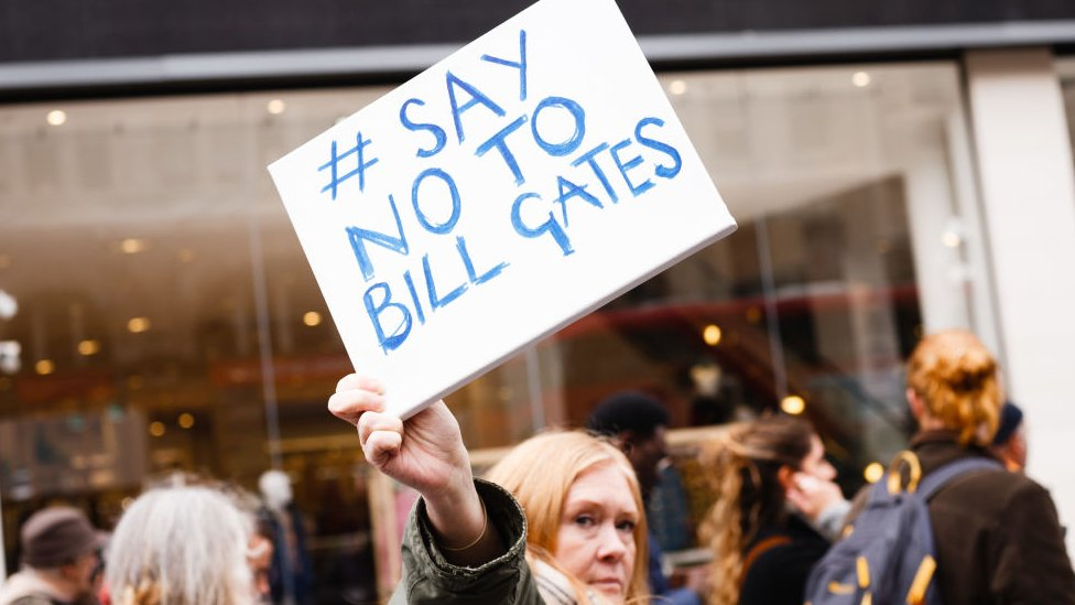 Protesta contra Bill Gates