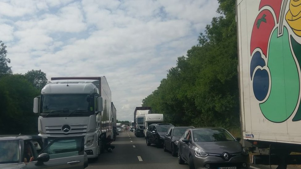 Man dies in two-lorry crash on A1 in Nottinghamshire