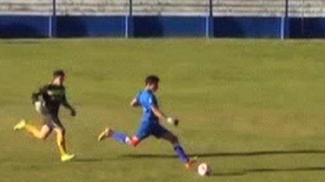 Uruguayan keeper scores wonder goal