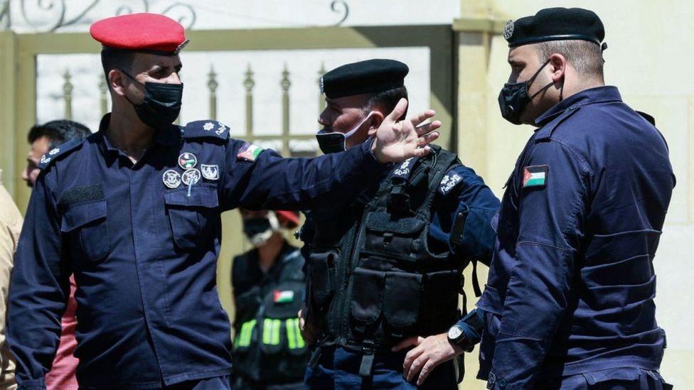 بعض أفراد الشرطة الأردنية