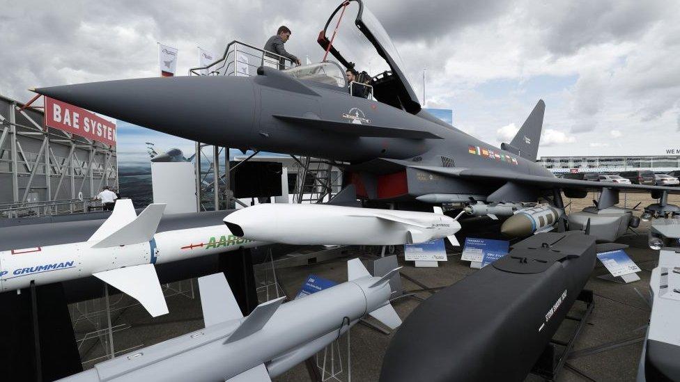 ستعرض القوة الجوية الملكية البريطانية مقاتلة تايفون في معرض دبي
