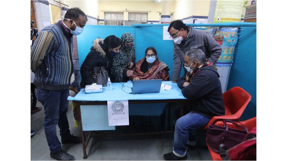 مركز لفحوص كورونا في الهند