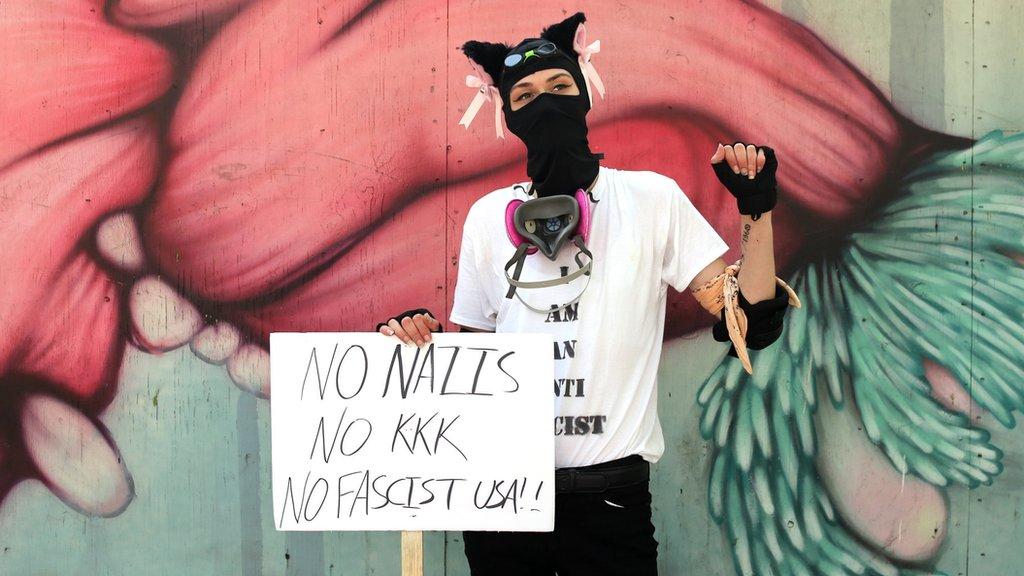 Una activista antifascista
