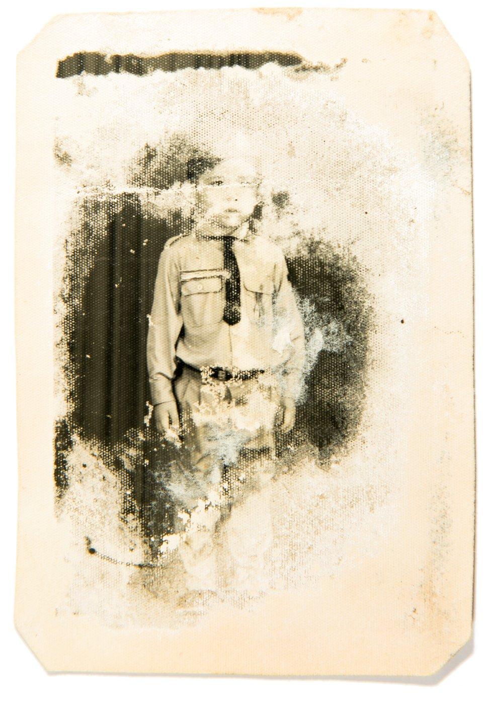Vira u uniformi Kmera