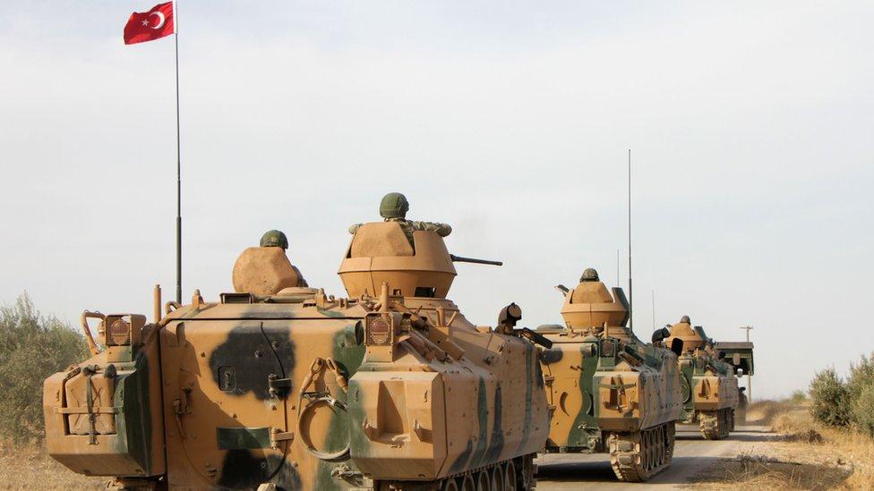 مدرعات تركية مشاركة في العملية العسكرية