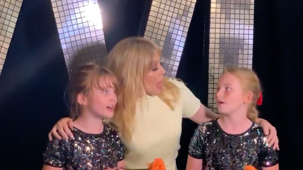 Kylie sings Dancing with twins who lost mum to cancer