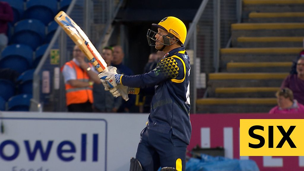 T20 Blast: Glamorgan v Hampshire - Colin Ingram hits massive six