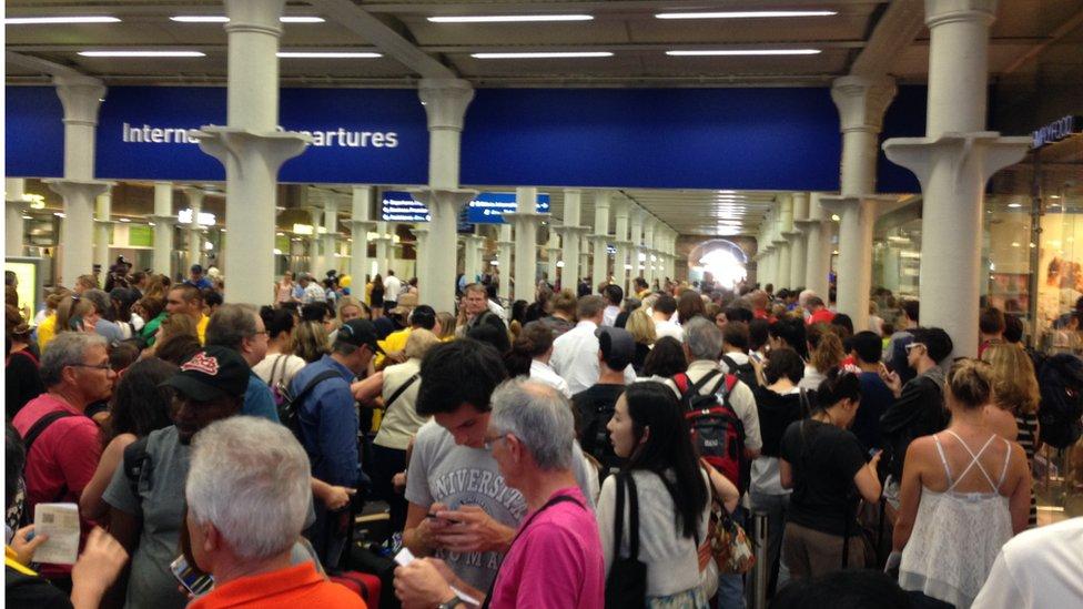 2015年聖潘克拉斯車站,歐洲之星停開旅客困阻