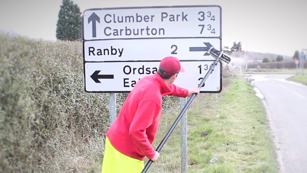 Window cleaner makes road signs sparkle