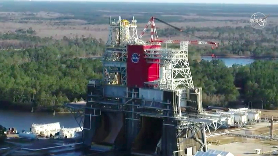 SLS: Nasa's 'megarocket' engine test ends early thumbnail