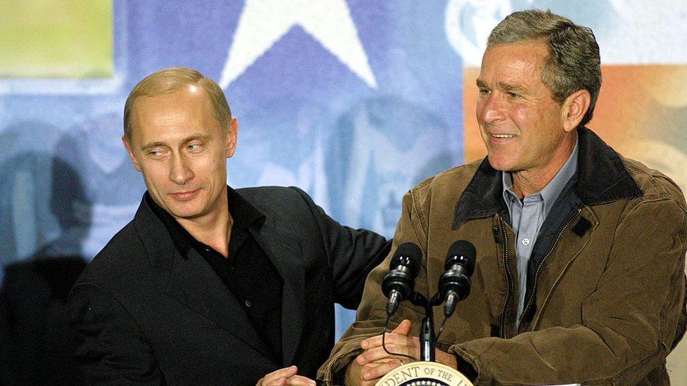 Putin y George W Bush