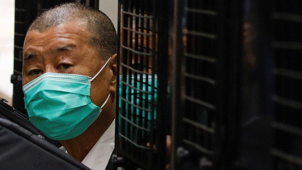 黎智英由囚車押送至香港終審法院聽取《國安法》案件保釋上訴裁決(9/2/2021)