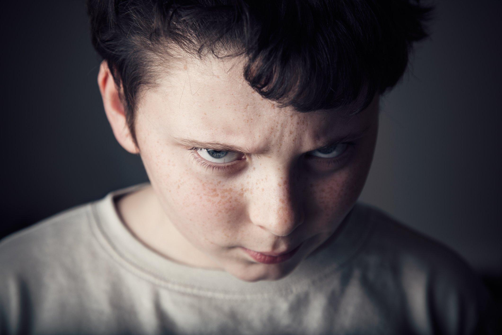 طفل ذو طباع عنيفة (صورة تعبيرية)