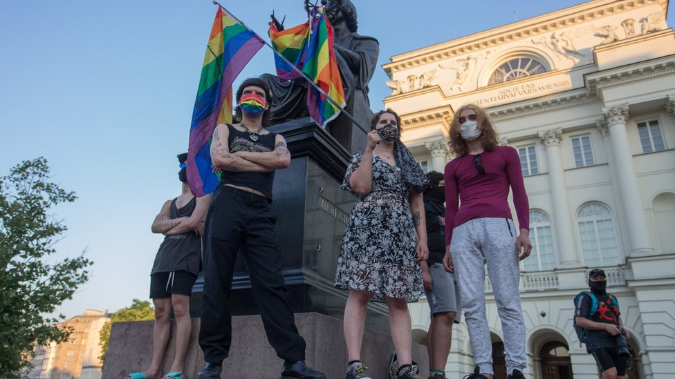 ЛГБТ-активистку в Польше посадили в СИЗО на два месяца. Ее же обвиняют в