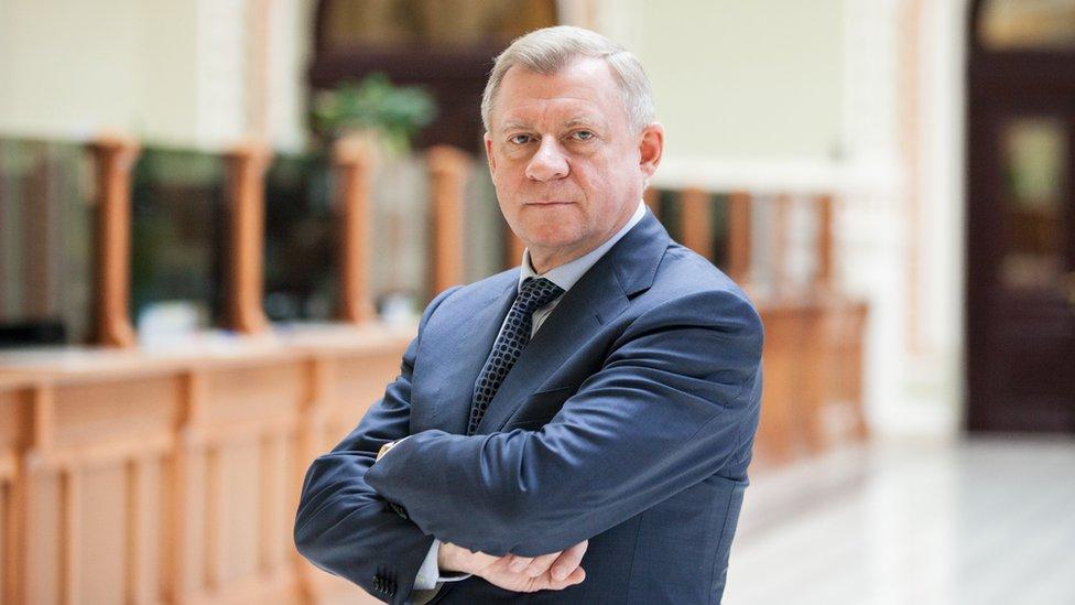 Обвалится ли гривна? Уволен глава Нацбанка Украины Яков Смолий, который не хотел включать печатный станок