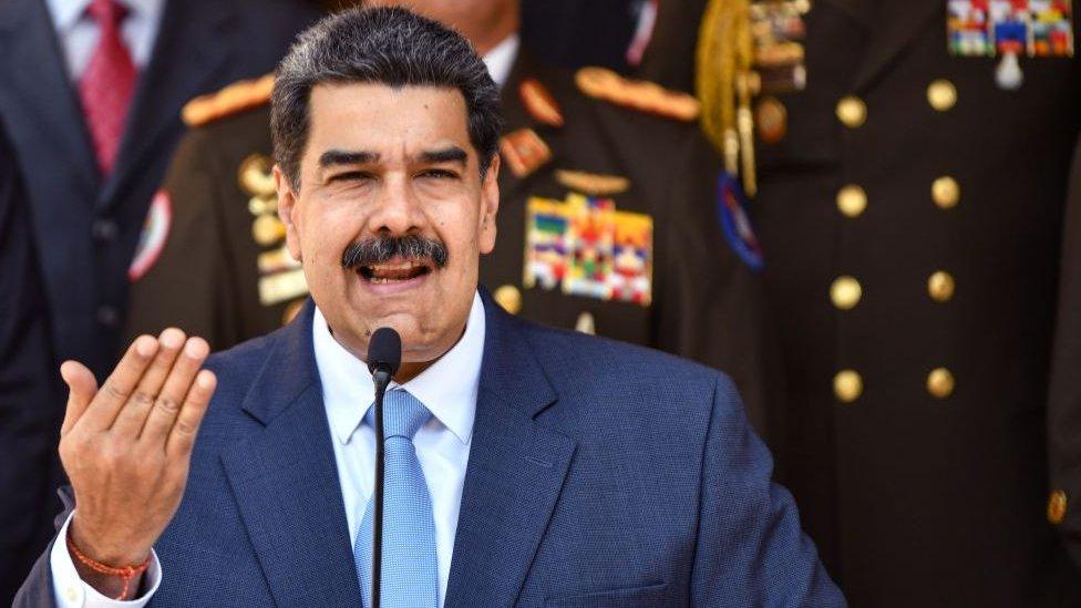 Российская вакцина от коронавируса вызвала споры в Венесуэле