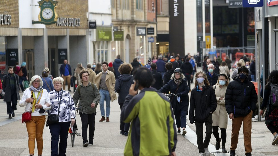Shoppers in Oxford