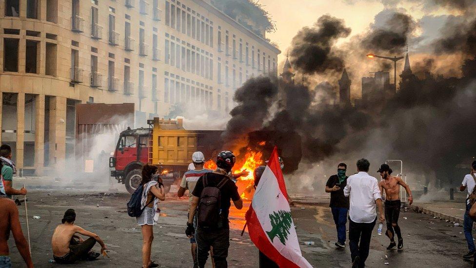 غضب متصاعد في الشارع اللبناني