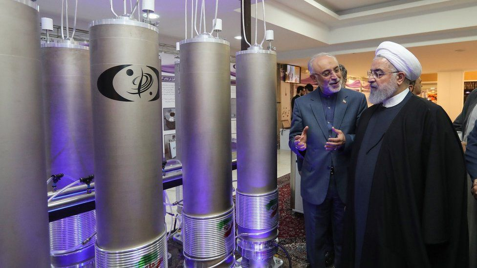 تراجعت إيران عن التزاماتها بموجب الاتفاق النووي لعام 2015 عقب انسحاب ترامب من الاتفاق النووي